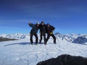 Au sommet de l'Aiguille de Peclet avec les potes!